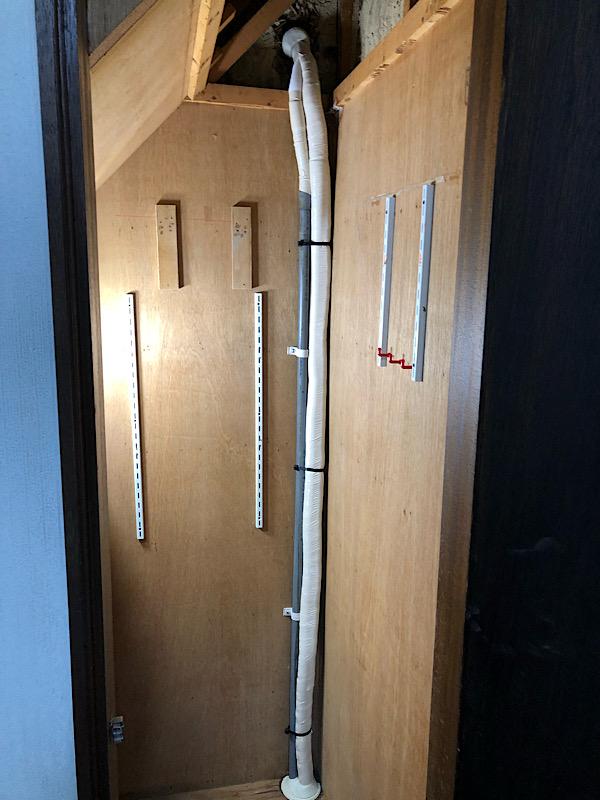 香芝市でエアコン取り替え工事(床下作業有り)